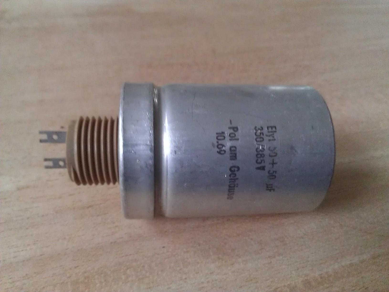 6/mm x 11/mm 5/X 22uf 63/V Radial plomb Aluminium condensateurs /électrolytiques 105/C lot de 5